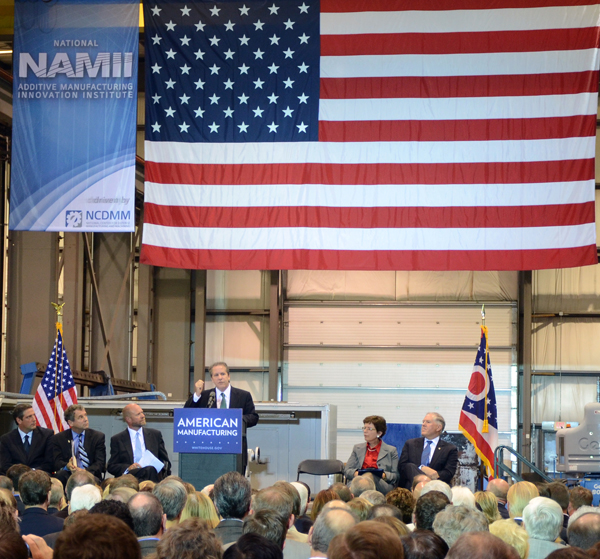 White House National Economic Council Director Gene Sperling speaks at an event in August 2012 announcing that Youngstown, Ohio, had been chosen as the site for a major federal institute for manufacturing innovation. (photo courtesy Youngstown State University)